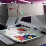Usha Janome Memory Craft 450E Máquina de bordado automática lanzada en India