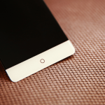 ZTE traerá un teléfono inteligente sin bisel a IFA 2016