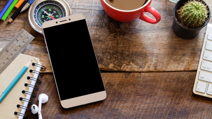 LeEco desenvuelve el teléfono Le 1s Eco hecho para la India, con un precio de Rs.  10,899