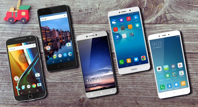 Mejor teléfono inteligente con menos de 15.000 INR en India (febrero de 2017)