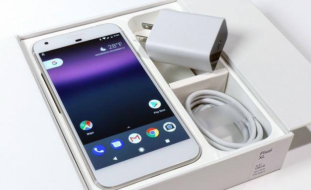 Teléfono Pixel XL y carga