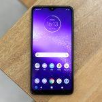 Revisión de Motorola One Macro: fotos macro, precio pequeño