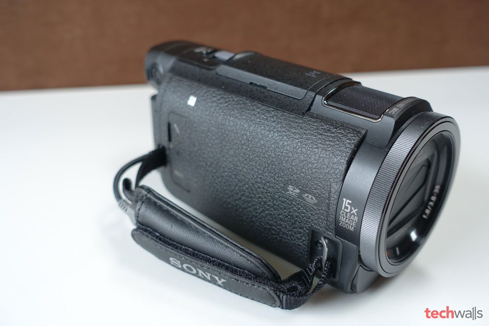 sony-fdr-ax33-camcorder-4