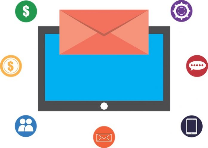 Cómo buscar el correo electrónico de alguien en línea para una verificación de antecedentes