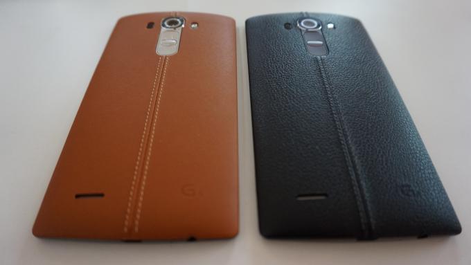 Comparación de cuero LG G4 marrón y negro