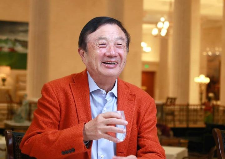 Ren Zhengfei, CEO de Huawei, marca de honor