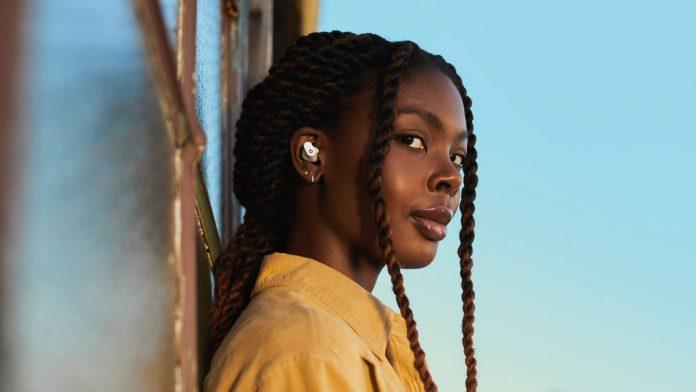 Beats presenta sus últimos auriculares, los Beats Studio Buds