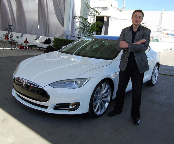 Shots Fired: Elon Musk Says Apple Only Hires Tesla Rejects