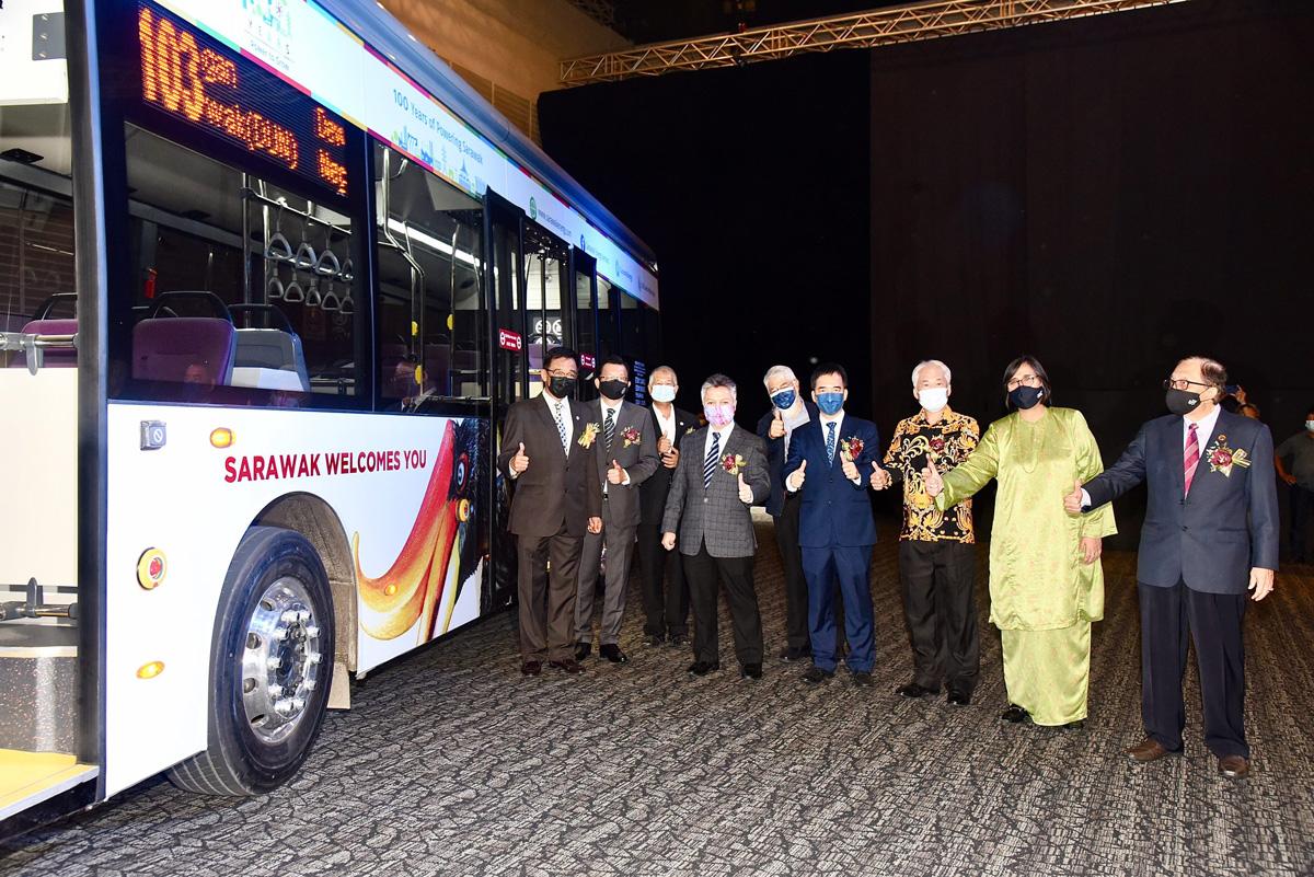Sarawak comienza el servicio gratuito de autobuses urbanos eléctricos Kuching