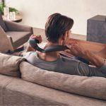 Altavoz inalámbrico Sony SRS-NS7 con banda para el cuello con sonido espacial 360 y anuncio de Dolby Atmos