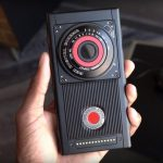 El teléfono inteligente holográfico RED Hydrogen One llegará en verano, pero solo en América
