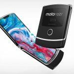 Esta es LA foto en vivo del Motorola RAZR que estabas esperando, pero ¿qué es ese enorme marco?  (Foto)